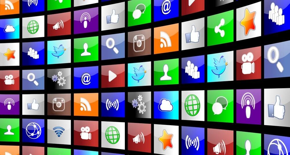 Redes sociales – Fundamentales para todo le mundo